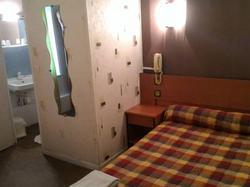 Hotel Le Parisien Reims