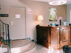 Hotel Les Jardins de Camille Suresnes