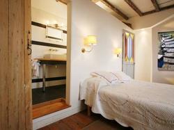 Hotel La Porte Rouge - The Red Door Inn Saintes