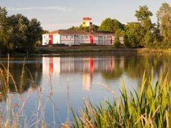 Hotel P'tit Dej-Hôtel Bordeaux Lac Bruges