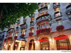 Hotel Plaza Athenee Paris Paris