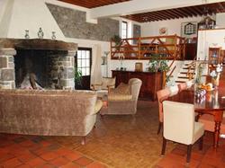 Hotel Maison d'Hôte la Grange aux Ayres Olloix
