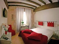 Hotel Le XII de Luynes Relais du Silence Luynes