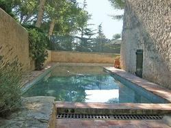 chambre d'hotes holiday home av notre dame cassis cassis : chambre