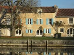 LEtoile du Port Saint-Jean-d\'Angély