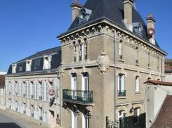 Hotel Castel Jeanson Ay