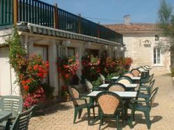 Hotel Restaurant Karina Jarnac