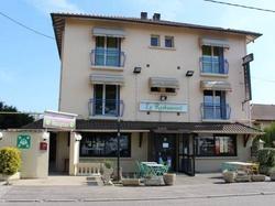 Hotel Hôtel les Acacias de Ratabizet Genas