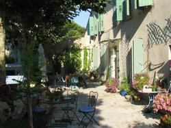 Hotel Chez Cathy Lambesc