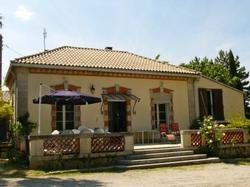 Holiday Home Les Cypres Bleus Aigues Vives Aigues-Vives