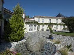 Hotel Domaine de Larchey Saint-Médard-d'Eyrans