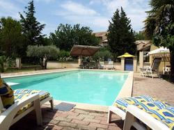 Holiday Home Mas de la Roque ALTHEN LES PALUDS - Hotel