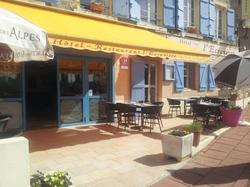 Hôtel Restaurant LEcrevisse Bourg-de-Thizy
