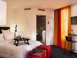 Chat Noir Design Hotel Paris