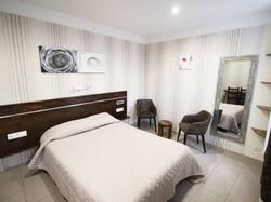 Hotel des Pyrénées Paris