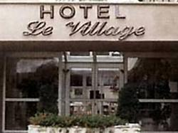 Hotel Hôtel le Village Gif-sur-Yvette
