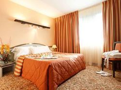 Hotel Le Manhattan Saint-Ouen