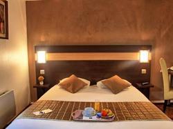 Hotel Comfort Hotel Les Mureaux-Flins Les Mureaux