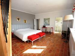 Bed and Breakfast - Domaine de lEnclos Châteaux & Hôtels Co Gordes