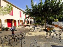 Logis Hotel Prato Plage Pernes-les-Fontaines