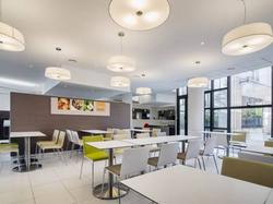 H�tel Holiday Inn Express Lille - Hotel