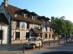 Hotel Auberge Du Cheval Blanc - Châteaux et Hôtels Collection Selles-Saint-Denis