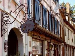 Hotel Hôtel La Licorne & Spa Lyons-la-Forêt