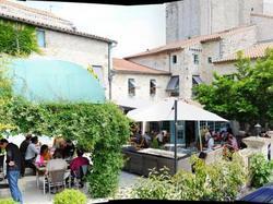 Logis Hostellerie de lAbbaye Celles-sur-Belle