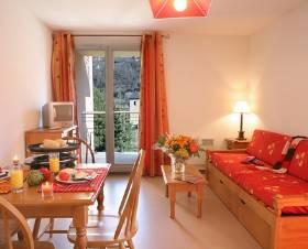 location appartement vacances ax les thermes location saisonni re ax les thermes. Black Bedroom Furniture Sets. Home Design Ideas
